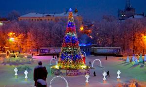 Зима. Театральная площадь., Подготовка площади к Новому году