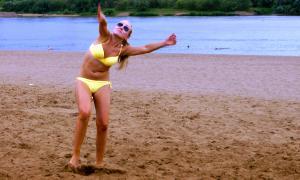 Волейбол на пляже. Ливень, plag-014