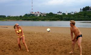 Волейбол на пляже. Ливень, plag-016