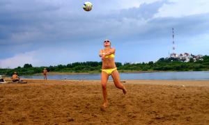 Волейбол на пляже. Ливень, plag-017