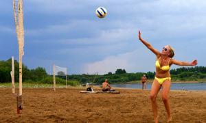 Волейбол на пляже. Ливень, plag-018