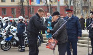 Мотоциклы BMW для нашей полиции, plm-013