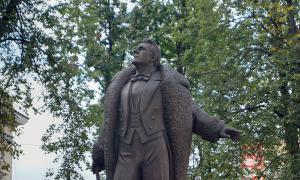 Памятник Федору Шаляпину, shalapin-003