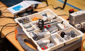 Региональный этап Всемирной Олимпиады роботов, roboty-035