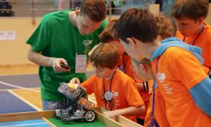 Региональный этап Всемирной Олимпиады роботов, roboty-070