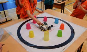 Региональный этап Всемирной Олимпиады роботов, roboty-077