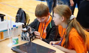 Региональный этап Всемирной Олимпиады роботов, roboty-079