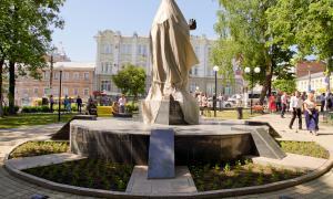 Открытие памятника Трифону Вятскому, trifon-005