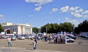 Авто на Театральной площади, 2015-08-22-theatrl-001