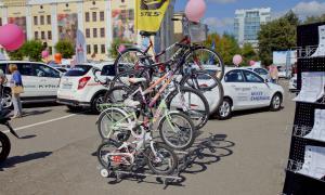 Авто на Театральной площади, 2015-08-22-theatrl-006