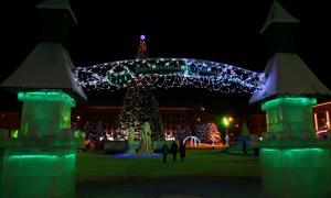 Новогодняя Театральная площадь, Happy-pl-13