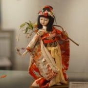 Выставка традиционных кукол и игрушек Японии