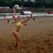 Волейбол на пляже. Ливень